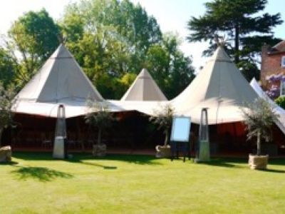 tipi hire weddings berkshire 2